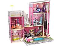 Barbie uptown dolls house