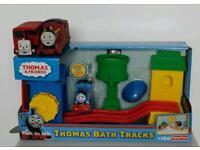 Thomas bath tracks and two extra bath toys