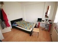 SHADWELL E1,SPACIOUS 3 BEDROOM DUPLEX APARTMENT,WITH BALCONY