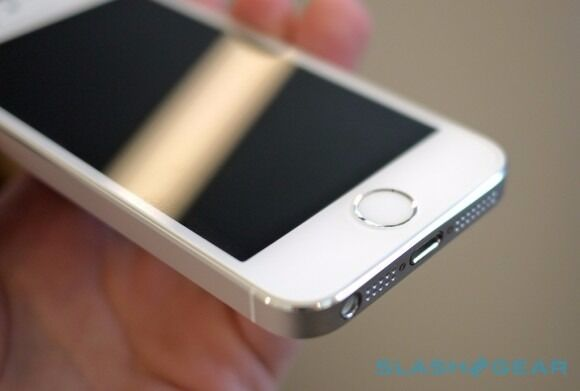 Iphone 5s 16gb white spares or repairsin Ealing, LondonGumtree - Iphone 5s in white has cracked screen the phone doesnt show sign of turning on iclould activation is on selling it as spares or repairs