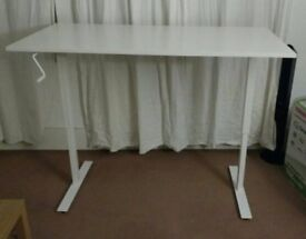 Ikea SKARSTA standing desk sit/stand height adjustable white