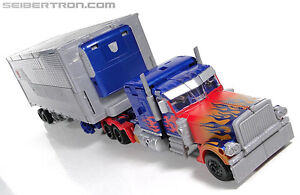 Transformers Dark of the Moon Ultimate Optimus Prime with Traile