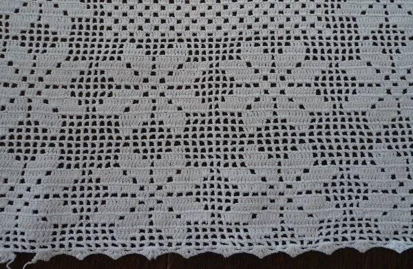 """Vintage Set Filet Crochet Lace Centerpiece Doily Snowflakes 17"""""""
