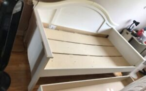 White twin daybed bed lit jumeau blanc