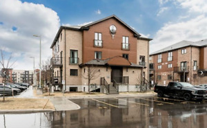 Two Storey Condo Apartment in Barries South End