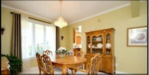 Beautiful French Provincial Dining Room Suite - Like New