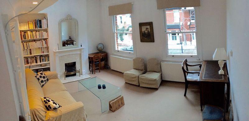 2 bedroom flat in Tasso Road, London, W68