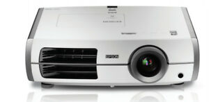 Like new Epson PowerLite Home Theater 6100 LCD Projector