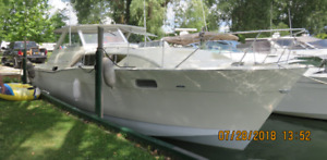 1968 Chris Craft 35 Commander