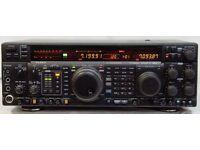 Yaesu FT-1000mp MK-V + SP-8 speaker