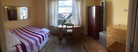 Spacious and Bright Double Room NOW