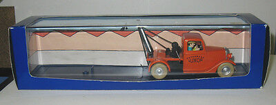 Tintin Truck from Book Towing Luxor 1930 with Figures - Luxor Book Truck