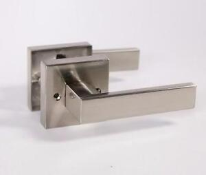 DOOR HARDWARE_HANDLES / LEVERS_MODERN SQUARE Design