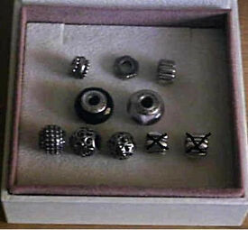 8 pandora charms