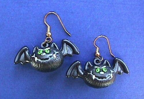 Russ EARRINGS Halloween Vintage BAT VAMPIRE Fangs GREEN Eyes Holiday Dangle