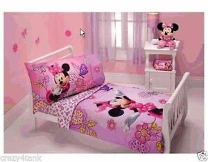 Attractive Minnie Mouse Baby Bedding Set
