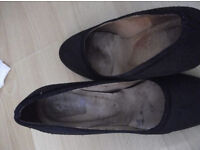 Well worn, scented shoes, size 6 hells