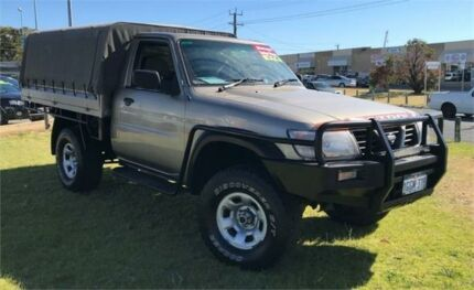 2000 Nissan Patrol GU DX (4x4) Gold 5 Speed Manual 4x4 Coil Cab Chassis Wangara Wanneroo Area Preview