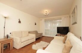 PRIVATE - SPACIOUS TWO DOUBLE BED FLAT, MONTPELIER ROAD, EALING BROADWAY, WITH PARKING + GARDEN