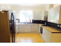 AVAILABLE NOW! THREE BEDROOM HOUSE, BRILLIANT CONDITION, £1550PCM