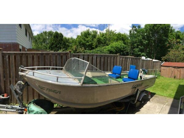 Used 1667 Lowe Boats 1667T