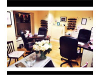 Nail Tech/Desk to rent/Beauty room!