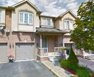 3 Bdr Townhouse in Richmond Hill