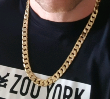151 gram solid 9ct gold chain 60 cm long