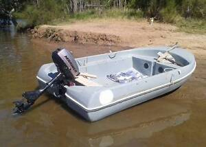 Boat with 2.5HP outboard motor Maroochydore Maroochydore Area Preview