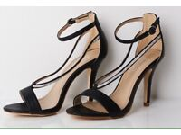 Snakeskin straps sandals