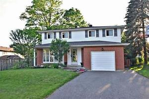 Location! 2 Storey Detached/ 4 BD/ 2Bath in Royal Orchard