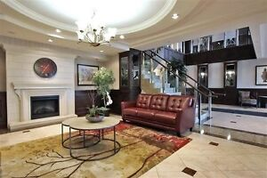 Gorgeous 1 Bedroom + Den Condo in Thornhill