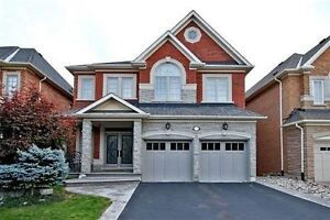Stunning detached house Located At Bathurst And Rutherford