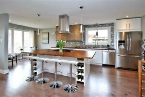 !! Beautiful, Fully Renovated Detached Home in Etobicoke !!