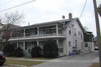 2 bedroom/2story apt in Century Home 5min to downtown campus
