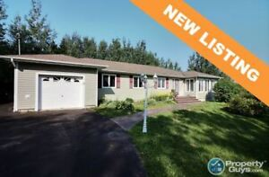 Waterfront 3 bed/2.5 bath bungalow on 2.37 acres!