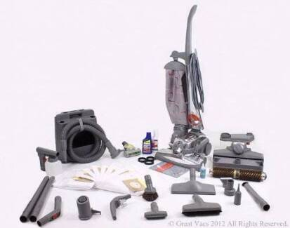 kirby G 2000 Limited Edition Vacuum/Shampooer   Comes with Everyt