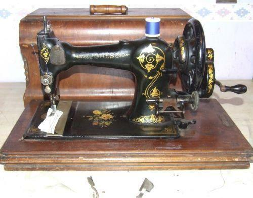 antique hand crank sewing machine ebay. Black Bedroom Furniture Sets. Home Design Ideas