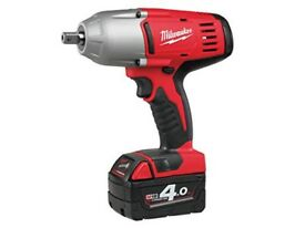 "Milwaukee 1/2"" 4 Ah Cordless Battery Impact gun"