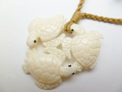 Hawaiian Hawaii Jewelry Turtle/Honu Bone Carved Pendant Necklace/Choker 35479-1