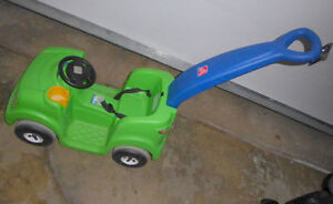 Step2 push around buggy with horn, good condition