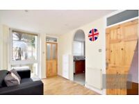 LOVELY 4 BED HOUSE TO RENT IN CLAPHAM JUNCTION SW11 - CLOSE TO LOCAL AMENITIES & HUGE PRIVATE GARDEN