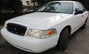 2004 Ford Crown Victoria Sedan $1900 Firm Get it Today