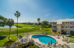 Beautifly Updated Condo On Golf Corse