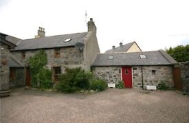 2 bedroom cottage in Portsoy with private garden and off-street parking