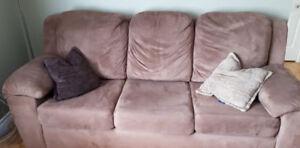 Divan-sofa 3 places 125 $ *NÉGOCIABLE* !!!