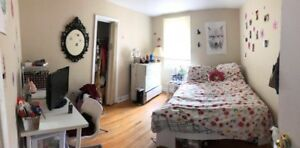 Room for rent in Hamilton, Female hosue