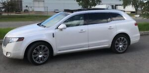 Lincoln MKT Town Car  EcoBoost