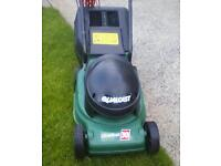 QUALCAST 30 LAWNMOWER GREAT CONDITION and works perfect £28.