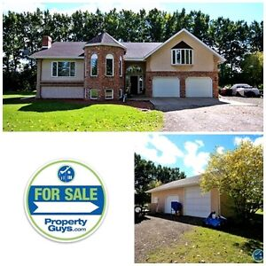 REDUCED! Acreage just outside city! 4368 sq ft Living Space!!
